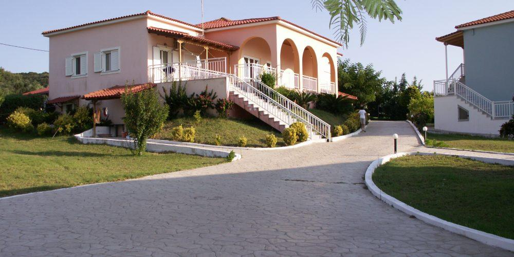 Kastro Beach Hotel 3*, Κάστρο – Κυλλήνη