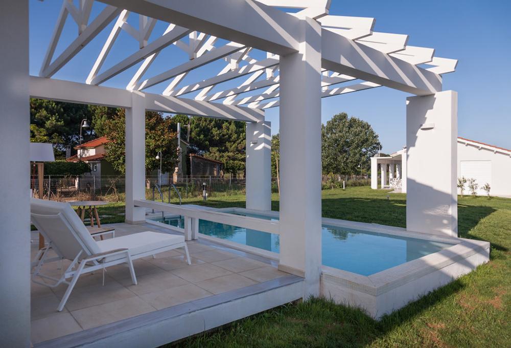 White Villas 3*, Δουναίικα